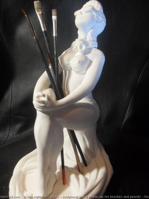 Artwork >> Bust Glass >> sculptural stand of pin-up for brushes and pencils